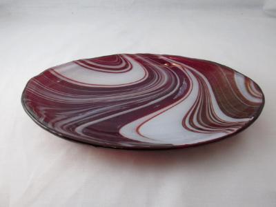 OV18006 - Strawberries & Cream, Iridized Oval Serving Dish