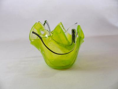 QT16002 - Lime Green Wispy with Black Streamer Q-Tip Holder