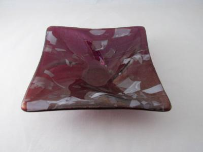 SQ21001 - Garnet Red, Iridized Square Twist Bowl