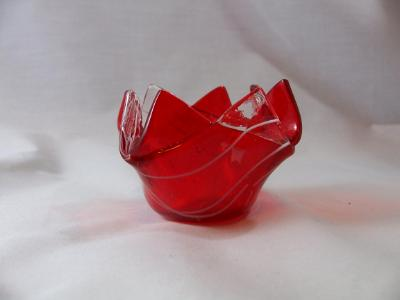 QT16023 - Lt Cherry Red, Transparent with White Streamers Q-Tip Holder